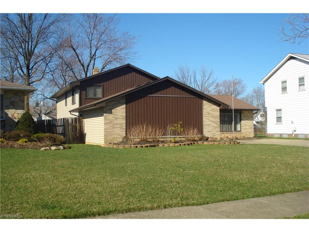 5314 Oak Ridge Dr Willoughby Oh 44094 Mls 3790595 Movoto
