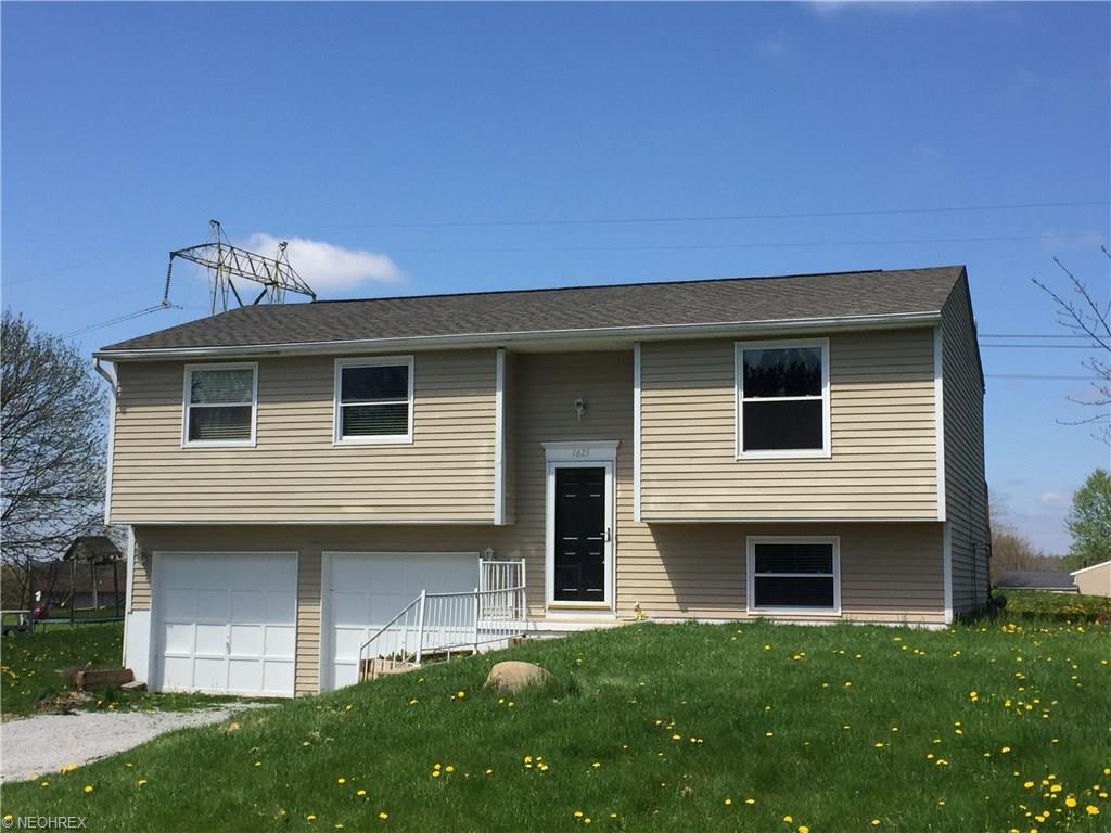 1625 King Dr, Uniontown, OH