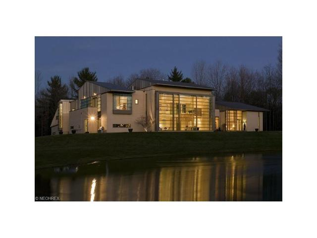 13695 County Line Rd, Chagrin Falls, OH