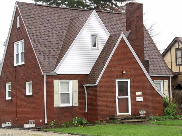 719 29th St, Canton OH 44714