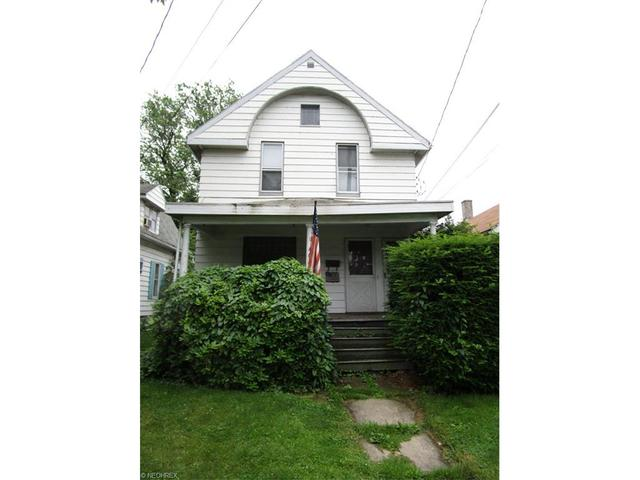 1646 Walnut Blvd, Ashtabula, OH