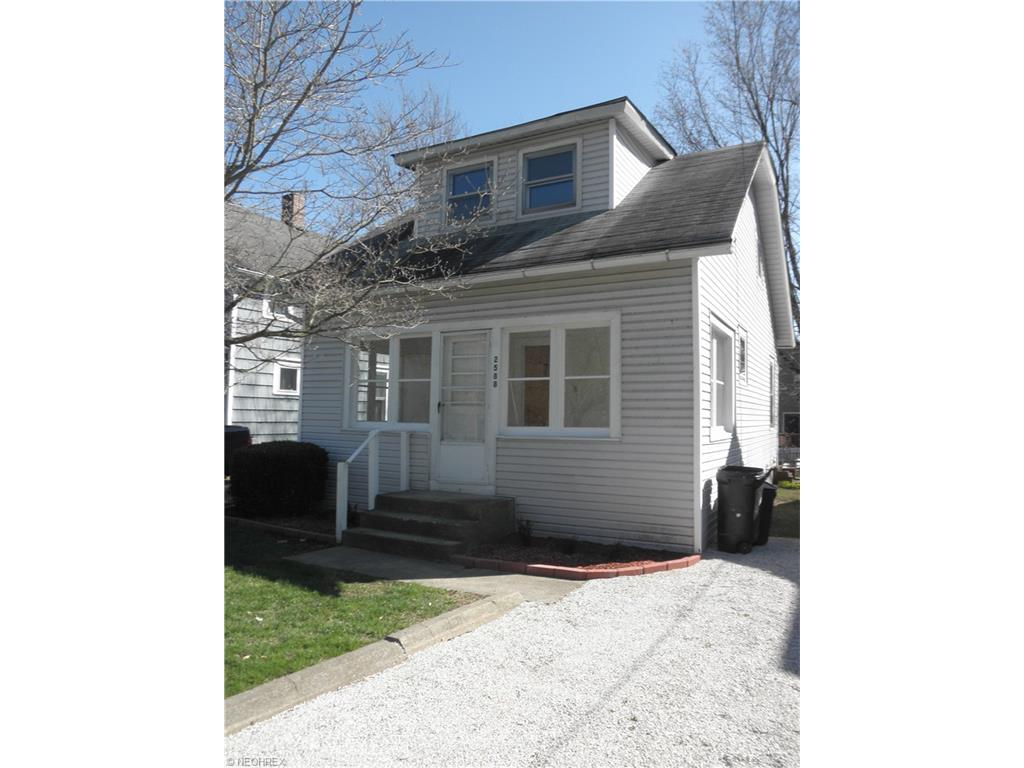 2588 Harland Ave, Lakemore, OH
