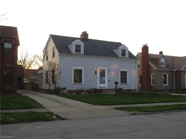 1522 Parkwood Rd, Lakewood OH 44107