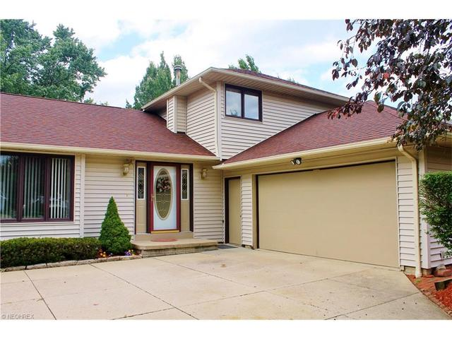 13150 Rosewood Ln, Strongsville, OH