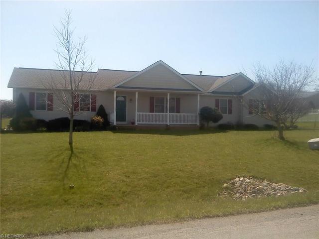126 Eyman Dr, Apple Creek, OH