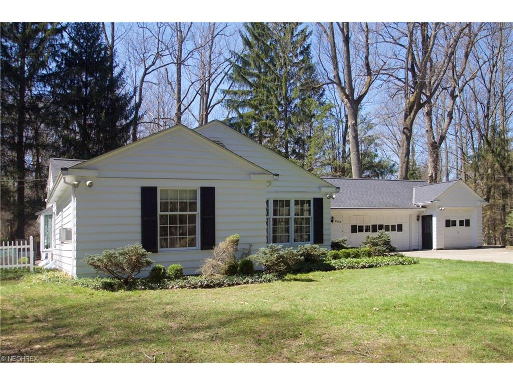 442 Riverview Rd, Gates Mills, OH