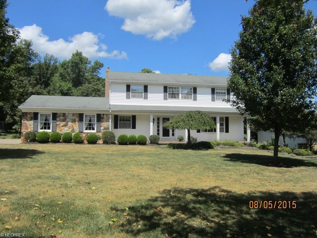 9645 Whitewood Rd, Brecksville, OH