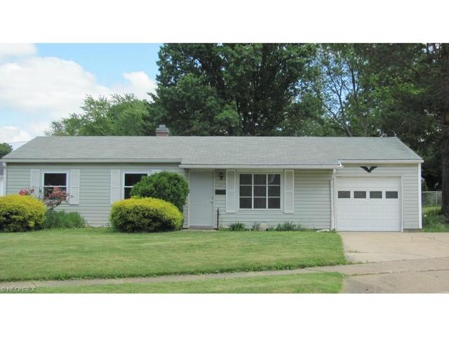 3697 Hiwood Ave, Stow, OH
