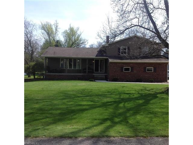 108 Mill Run Dr, Youngstown OH 44505