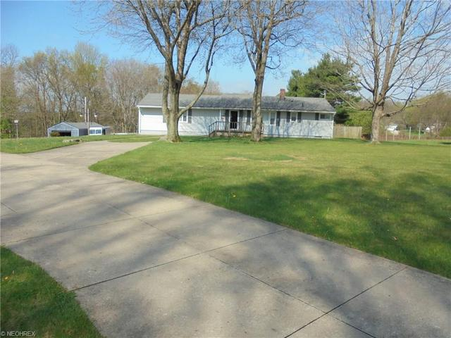 4610 Cottage Grove Rd, Uniontown OH 44685