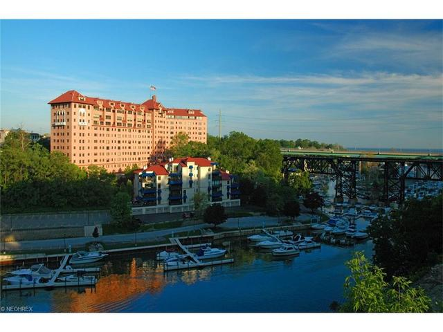 19000 Lake Rd #APT 925, Rocky River, OH