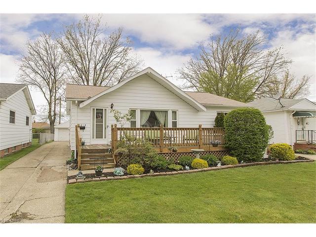 812 Charles St, Eastlake, OH