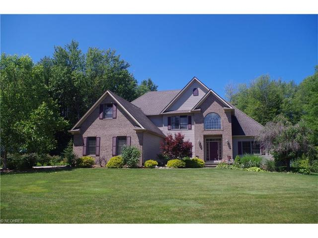 10294 Christina Dr, Willoughby, OH