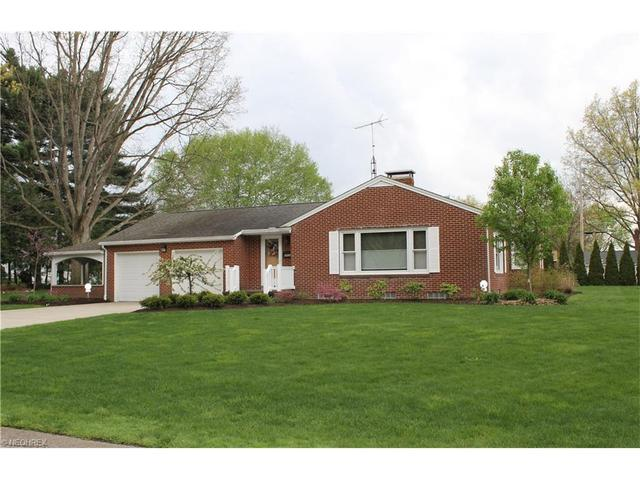 2835 Sharonwood Ave, Canton OH 44708