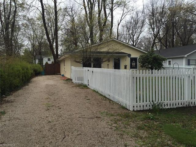 6246 Campbell Dr, Madison OH 44057