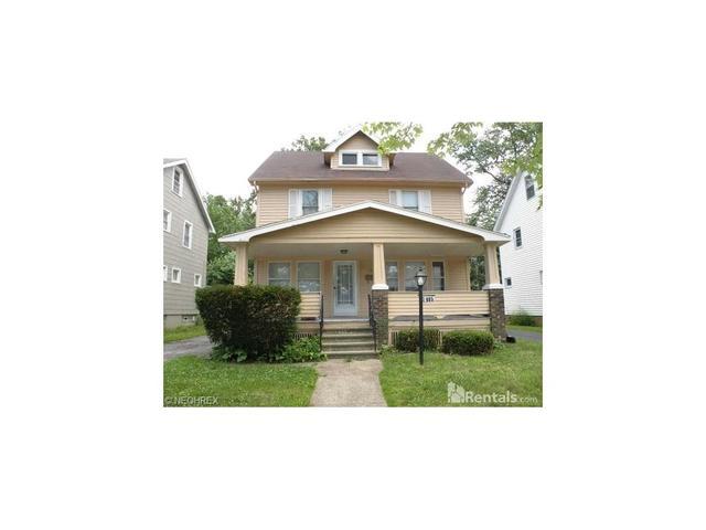 985 Selwyn Rd, Cleveland, OH