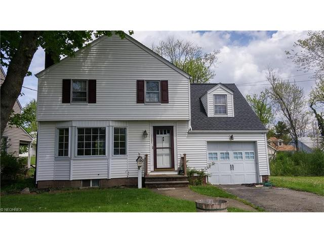 1207 Colonial Blvd, Canton OH 44714