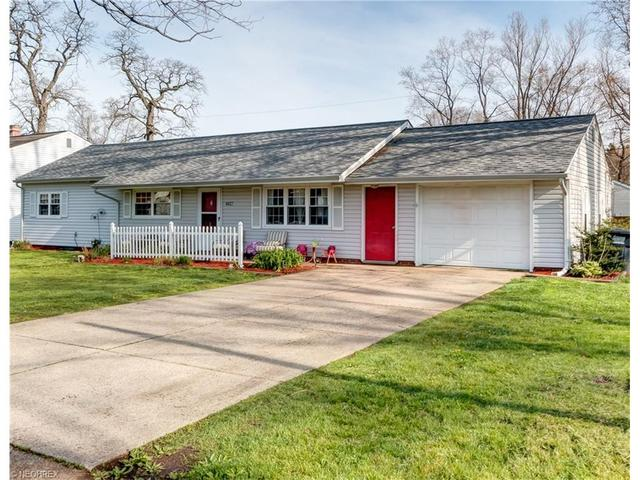 6027 Kelso St, Madison OH 44057