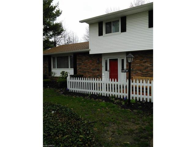 24836 Rockledge Ln, Cleveland, OH