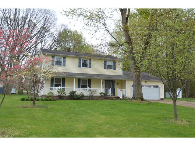 10237 Cherry Hill Dr, Painesville, OH