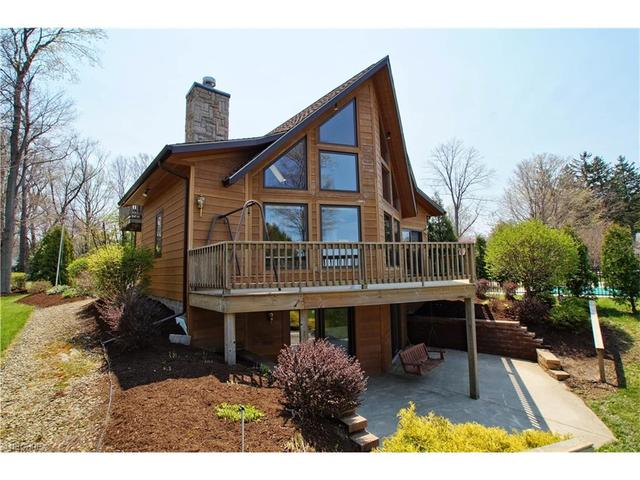5839 October Ln, Madison OH 44057