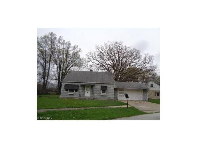 3327 Pickett Rd, Lorain, OH