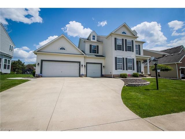 2976 Coldwater Ave, Canton OH 44708