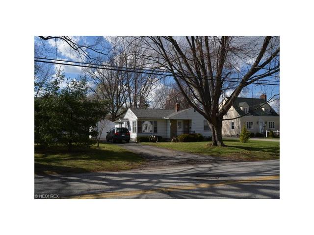 412 N Main St, Amherst, OH