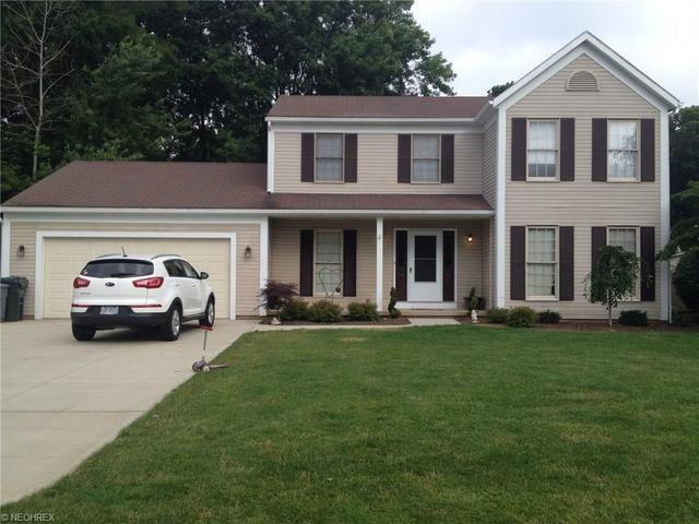 3884 Ramsey Dr Uniontown, OH 44685