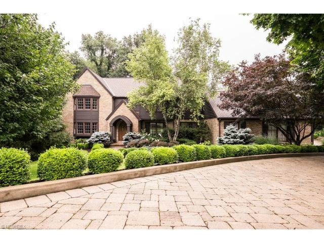 2680 Glenmont Rd, Canton OH 44708