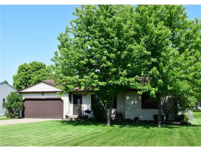 9105 Marks Rd, Strongsville, OH