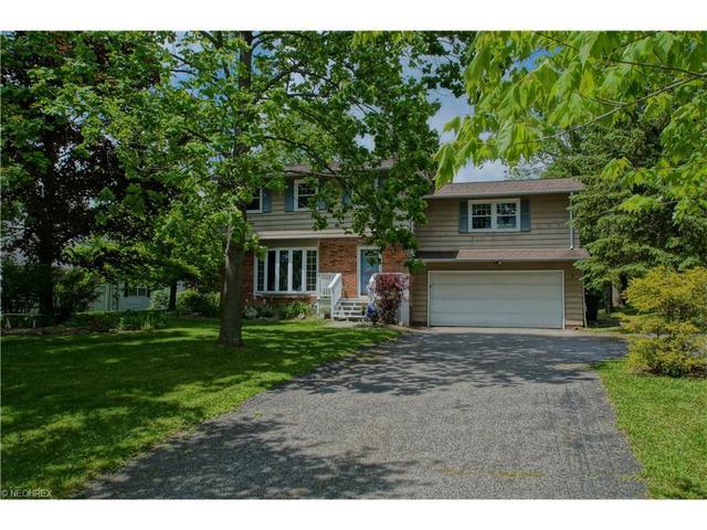 581 W Highland Rd, Northfield, OH