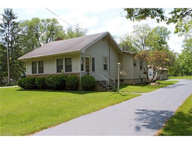 884 Howland Wilson Rd, Warren, OH