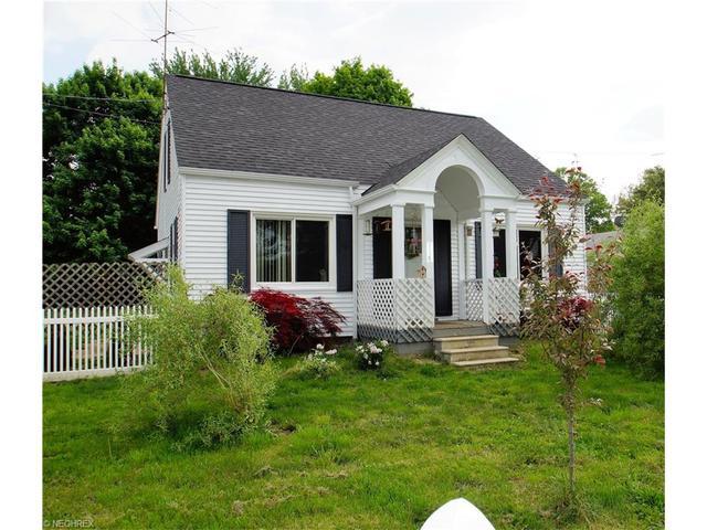 116 Woodland St Hartville, OH 44632