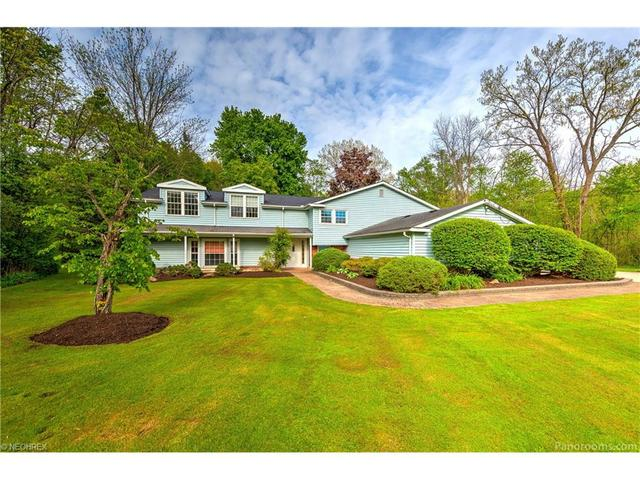 15435 Dale Rd, Chagrin Falls, OH