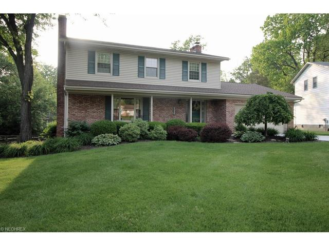 4502 Country Club Ln, Stow, OH