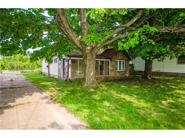 663 240th St Euclid, OH 44123