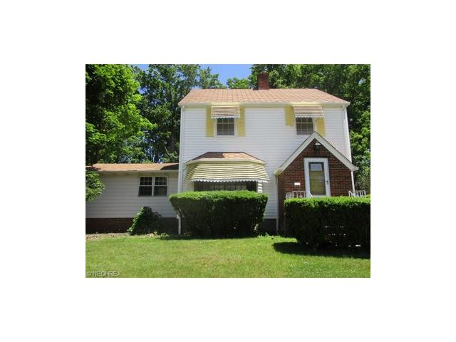1941 Beverly Hills Dr Euclid, OH 44117