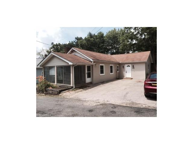 423 W Pace Ave New Franklin, OH 44319