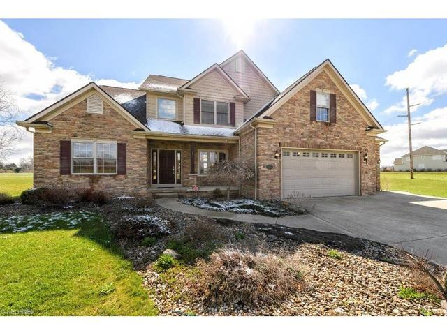 7582 Rolling Green Ave Massillon, OH 44646