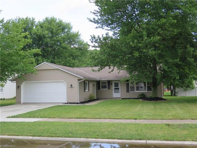 1021 Plymouth Dr Grafton, OH 44044