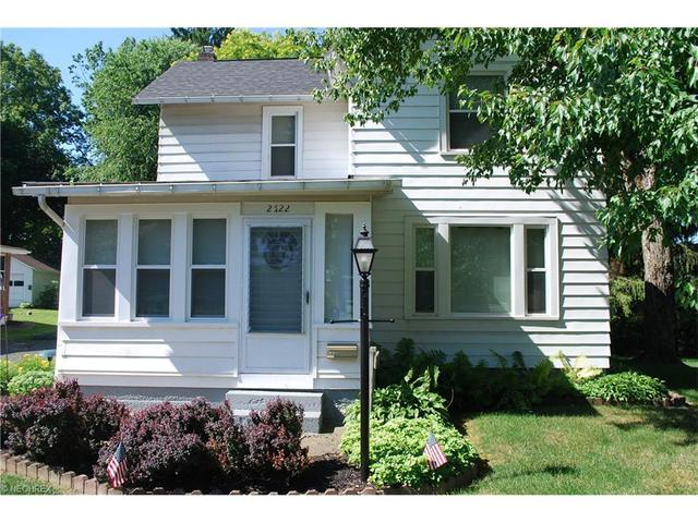 2722 W Comet Rd New Franklin, OH 44216