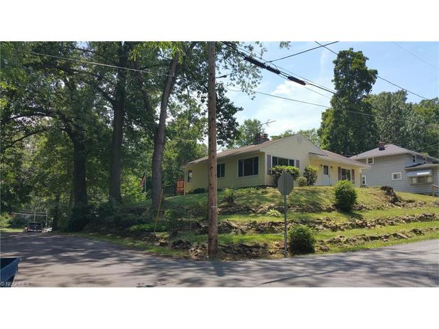 268 E Willowview Dr New Franklin, OH 44319