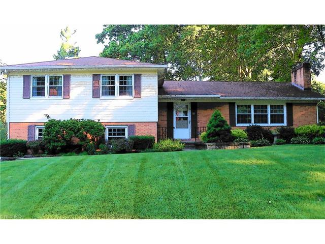 214 Acme Dr New Franklin, OH 44319