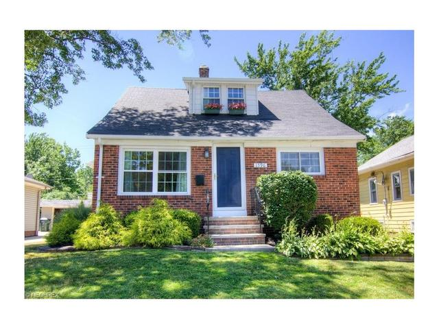 1596 Roselawn Rd Cleveland, OH 44124