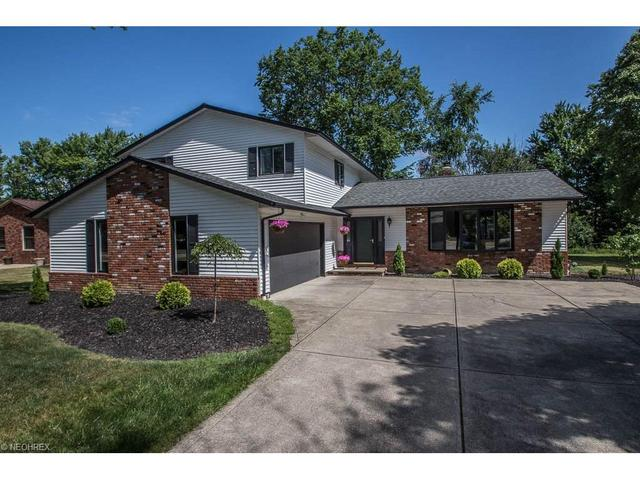 6099 Castlehill Dr Cleveland, OH 44143