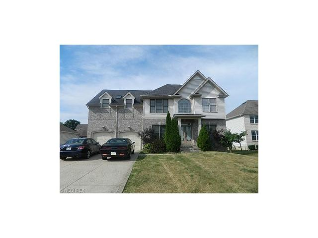 310 Country Ln Cleveland, OH 44143