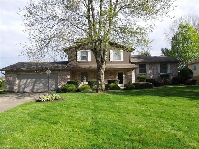 3027 Chaucer Dr NECanton, OH 44721