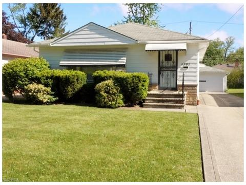 4381 Adrian Rd, South Euclid, OH 44121