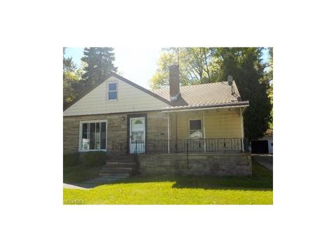 1124 S Green Rd, South Euclid, OH 44121
